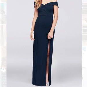 Off-The-Shoulder Navy Blue Sheath Gown